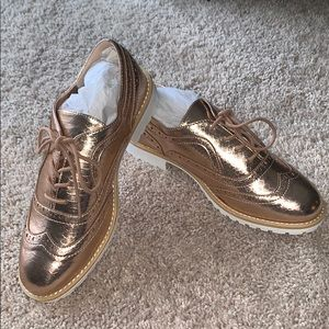 Trendy rose gold oxfords!